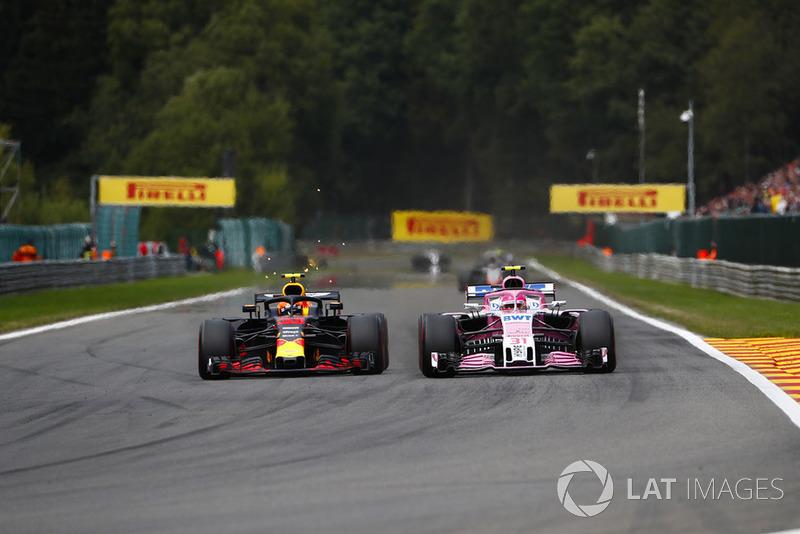 Max Verstappen, Red Bull Racing RB14, passes Esteban Ocon, Racing Point Force India VJM11 Sam Bloxham