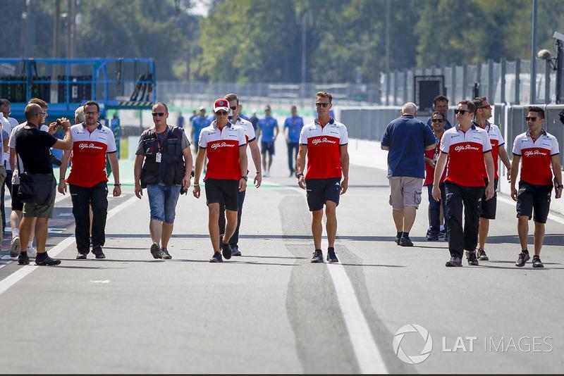 Marcus Ericsson, Sauber and his mechanics