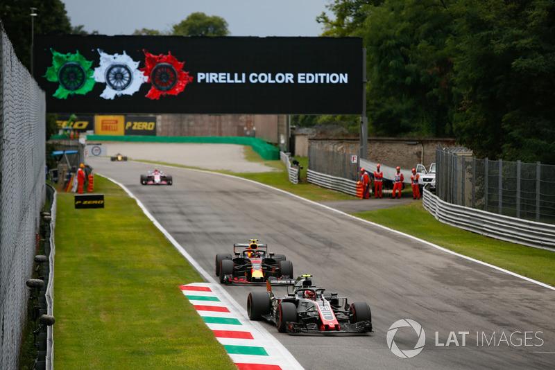 Kevin Magnussen, Haas F1 Team VF-18, Max Verstappen, Red Bull Racing RB14