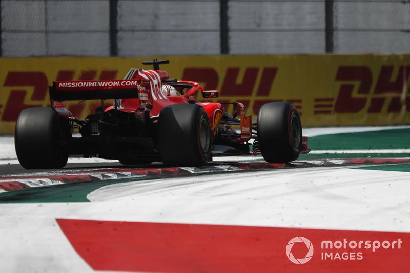 Vettel Raikkonen'in tek pit stop stratejisini övüyor