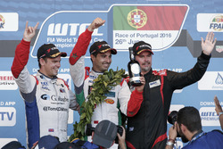 Podium Yokoham trophy: second place Tom Chilton, Sébastien Loeb Racing, Citroën C-Elysée WTCC; Winner Mehdi Bennani, Sébastien Loeb Racing, Citroën C-Elysée WTCC; third place James Thompson, All-Inkl Motorsport, Chevrolet RML Cruze TC1