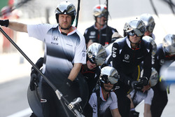 McLaren pit stop antrenmanı