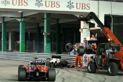 The crashed cars of Kamui Kobayashi, Sauber and Bruno Senna, Hispania
