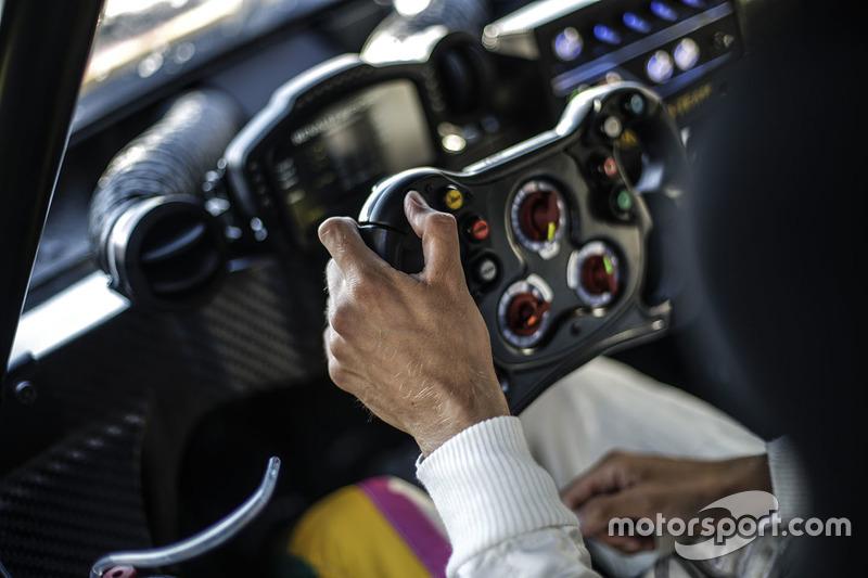 Renault RS01 steering wheel detail