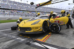 #3 Corvette Racing Chevrolet Corvette C7.R: Antonio Garcia, Jan Magnussen, Mike Rockenfeller, pit action