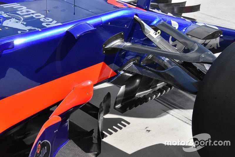 Scuderia Toro Rosso STR12 zijkant detail