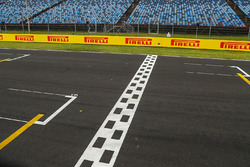 Start / Finish line,  Track View