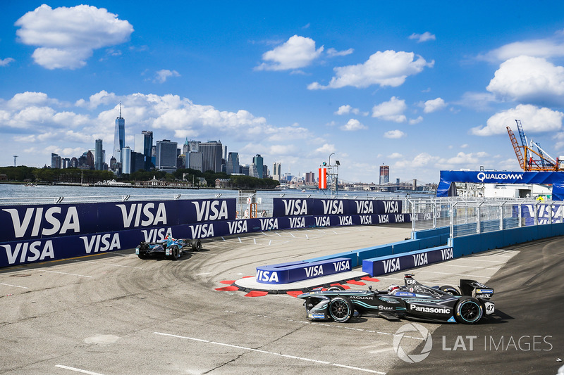 Oliver Turvey, NEXTEV TCR Formula E Team, lidera a Adam Carroll, Jaguar Racing
