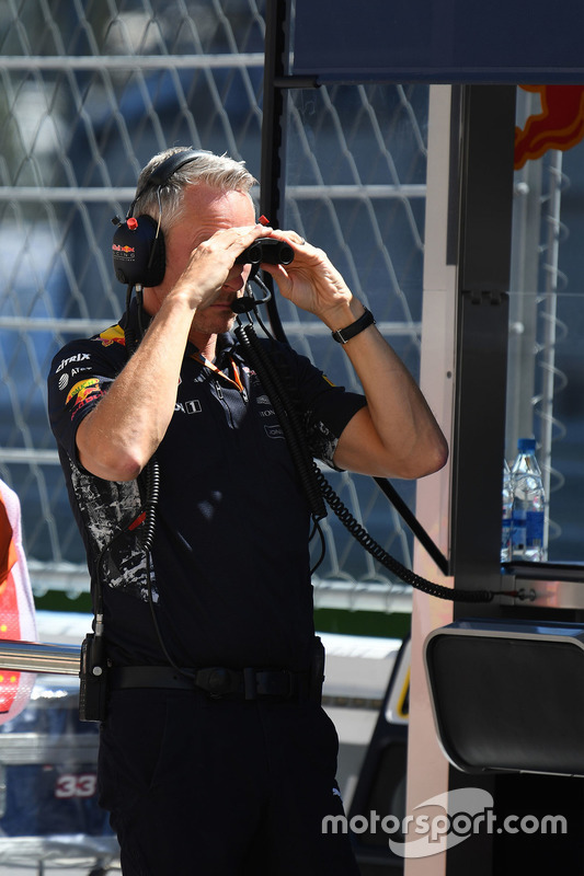 Jonathan Wheatley, Red Bull Racing Team Manager, binoculars