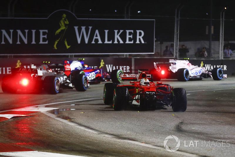 Sebastian Vettel, Ferrari SF70H perd le nez de sa voiture dans la collision