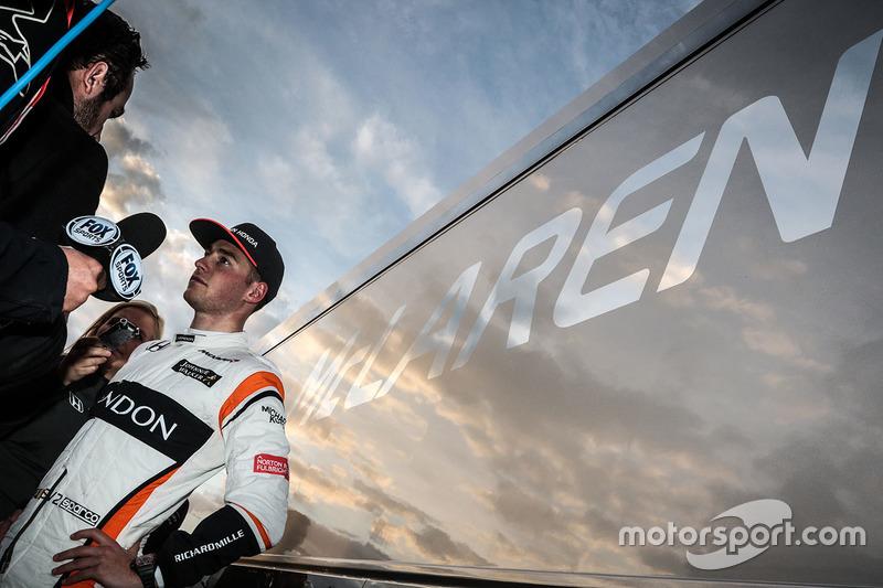 Stoffel Vandoorne, McLaren with the media