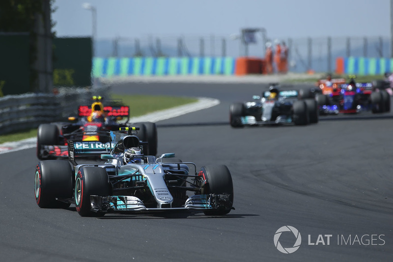 E a relação dava mostras de maturidade, a exemplo do que aconteceu no GP da Hungria. Bottas comandou Hamilton do começo ao fim, somente atrás dos dois pilotos da Ferrari.