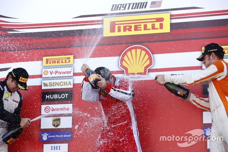 Podium: Ganador, Carlos Kauffmann, Ferrari de Fort Lauderdale; segundo, Wei Lu, Ferrari de Vancouver; tercero, Marcello Puglisi, Rossocorsa
