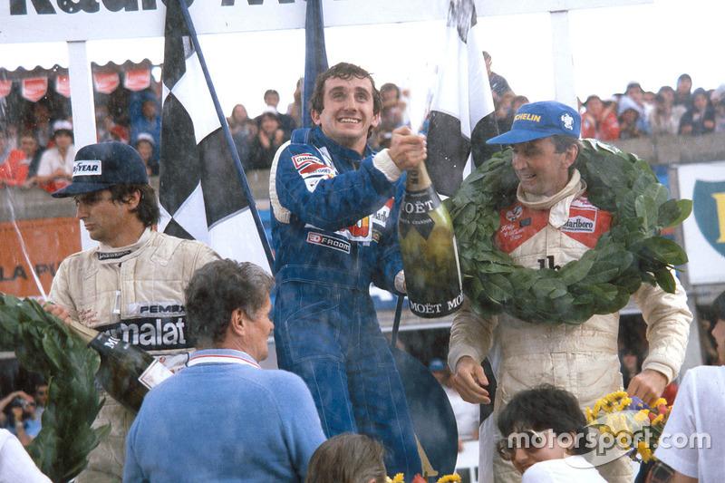 Podium: ganador, Alain Prost, Renault, segundo, John Watson, McLaren, tercero, Nelson Piquet, Brabham