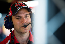 Mark Dutton, Red Bull Holden Racing Team Holden Commodore VF