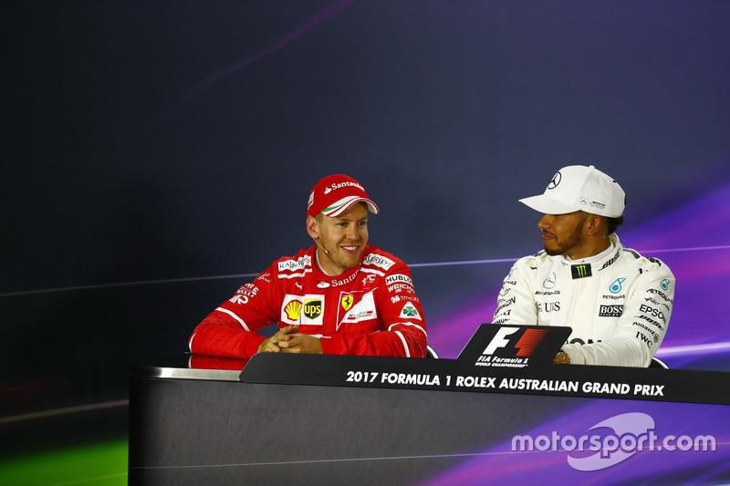 Sebastian Vettel, Ferrari, y Lewis Hamilton, Mercedes AMG