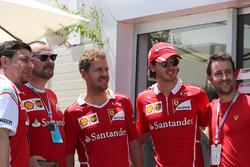 Sebastian Vettel, Ferrari und Antonio Giovinazzi, Ferrari-Testfahrer