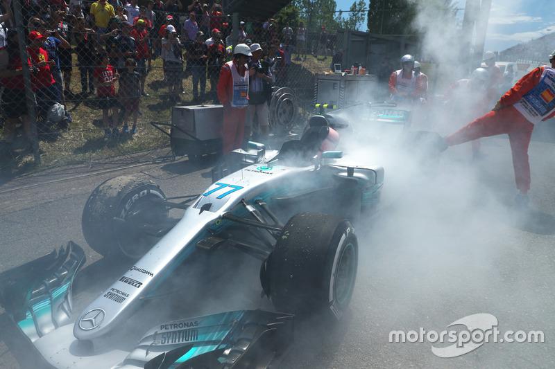 Mas houve um grande golpe em suas possibilidades na Espanha: ocupava a terceira posição quando abandonou com um motor quebrado.