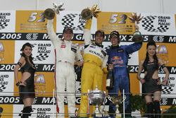Podium: Race winner Lucas di Grassi, Manor Motorsport; second place Robert Kubica, Carlin; third place Sebastian Vettel, ASM F3