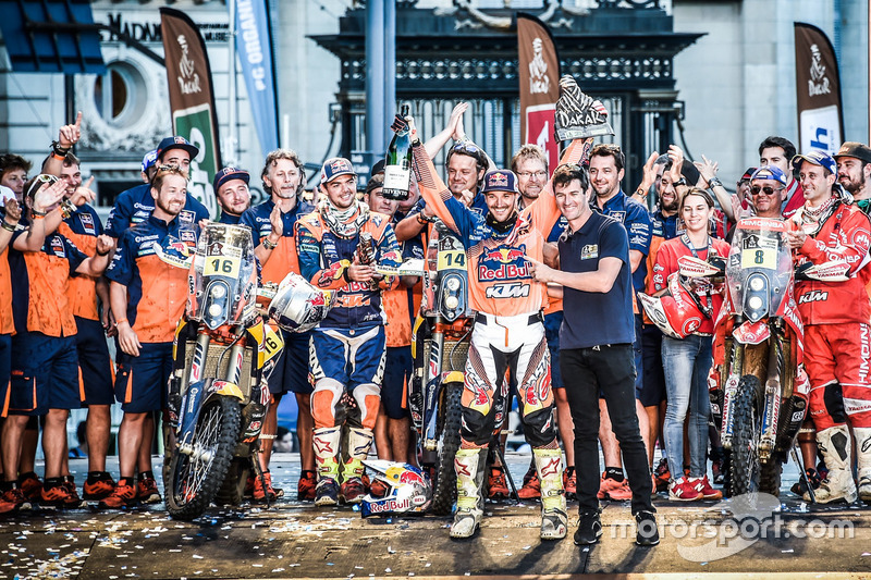 Ganadores #14 Red Bull KTM Factory Racing: Sam Sunderland y #16 Red Bull KTM Factory Racing: Matthia