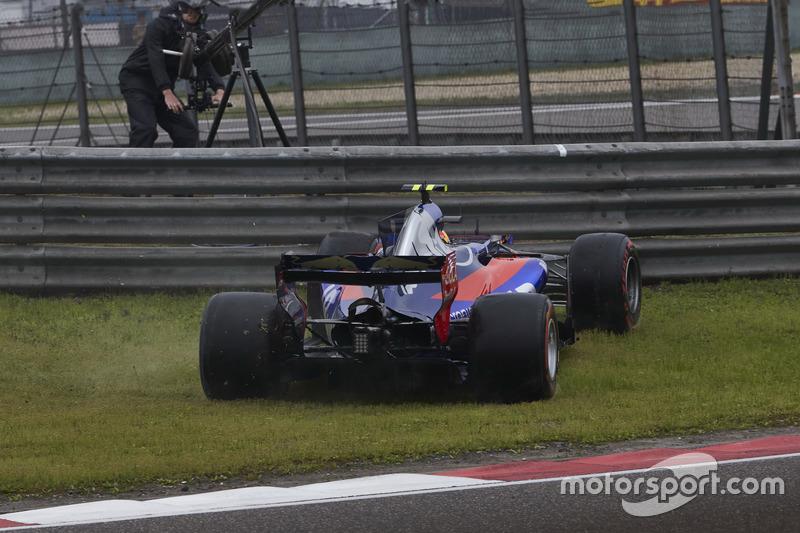Carlos Sainz Jr., Scuderia Toro Rosso STR12, Dreher