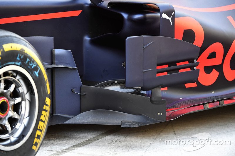 Red Bull Racing Rb13 barge board detail