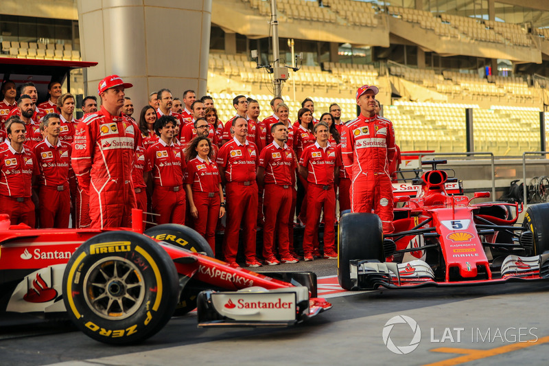 Kimi Raikkonen, Ferrari SF70H and Sebastian Vettel, Ferrari SF70H in the team photo