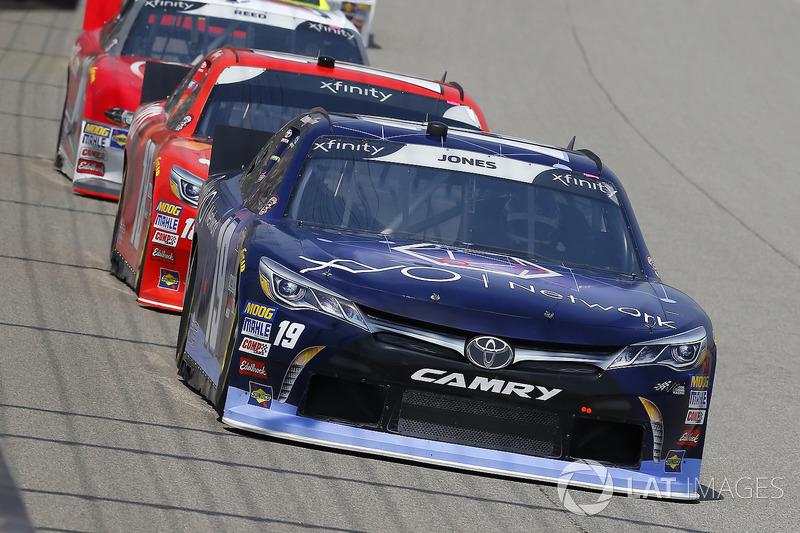Brandon Jones, Joe Gibbs Racing, Toyota Camry Toyota XYO Networks and Kyle Busch, Joe Gibbs Racing, Toyota Camry Maltesers