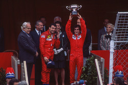 Podium: race winner Alain Prost, McLaren, second place Michele Alboreto, Ferrari