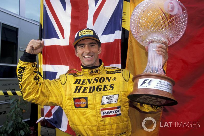 Race winner Damon Hill, Jordan