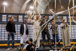 Le vainqueur David Coulthard et Petter Solberg sur le podium