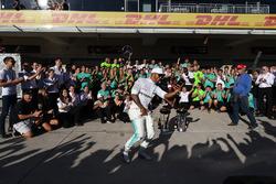 Льюіс Хемілтон, Mercedes AMG F1, з командою