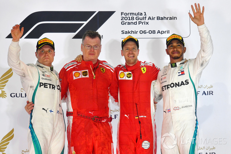 Podio: ganador Sebastian Vettel, Ferrari, segundo lugar Valtteri Bottas, Mercedes AMG F1, tercer lugar Lewis Hamilton, Mercedes AMG F1