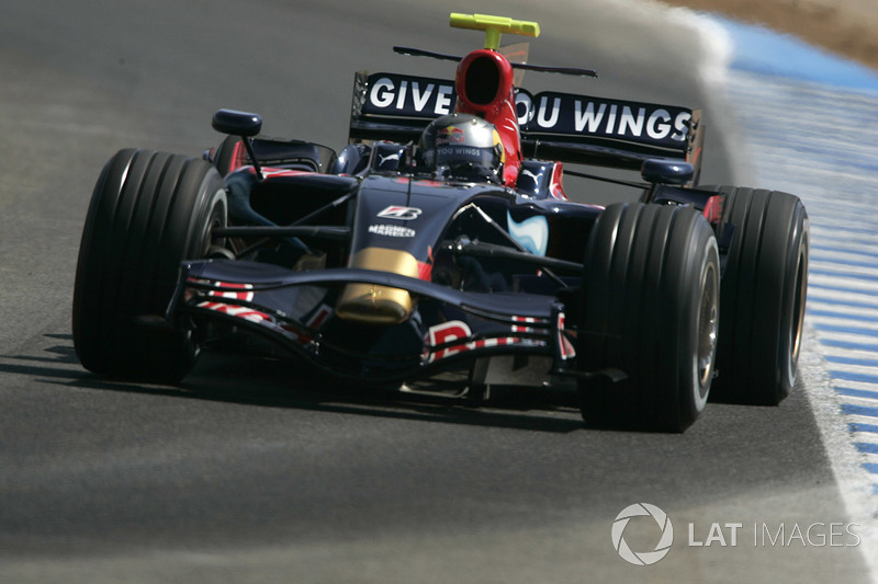 2008. Toro Rosso STR02B Ferrari