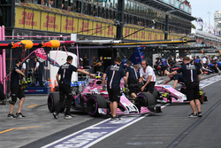 Esteban Ocon, Force India VJM11 and Sergio Perez, Force India VJM11