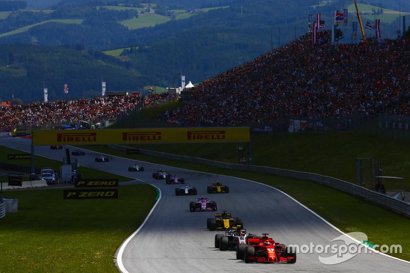 Sebastian Vettel, Ferrari SF71H, Kevin Magnussen, Haas F1 Team VF-18, Nico Hulkenberg, Renault Sport F1 Team R.S. 18, Esteban Ocon, Force India VJM11, Carlos Sainz Jr., Renault Sport F1 Team R.S. 18