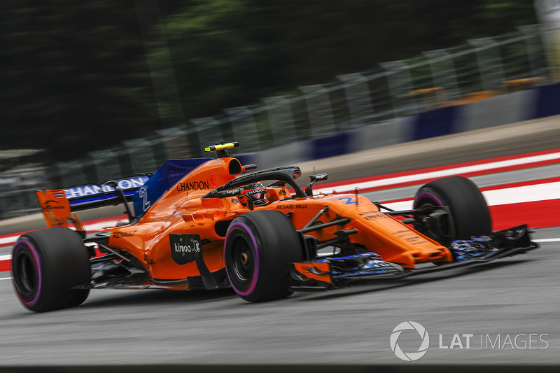 16 місце — Стоффель Вандорн, McLaren — 21
