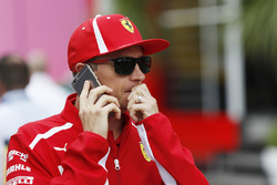 Kimi Raikkonen, Ferrari on the phone