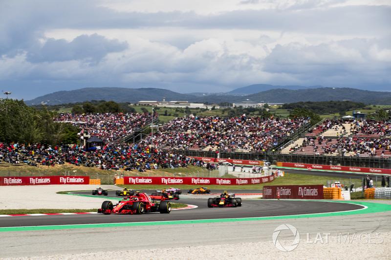 Кими Райкконен, Ferrari SF71H, Макс Ферстаппен и Даниэль Риккардо, Red Bull Racing RB14