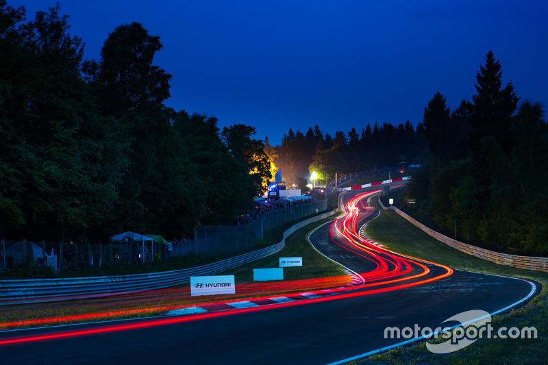 1. Nurburgring de noche. Poco más que añadir.