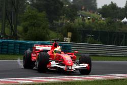 Felipe Massa, Ferrari 248 F1, in testacoda
