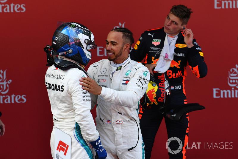 Ganador, Lewis Hamilton, Mercedes-AMG F1 y Valtteri Bottas, Mercedes-AMG F1 celebra