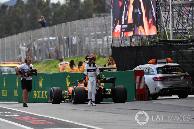 Il ritirato Stoffel Vandoorne, McLaren