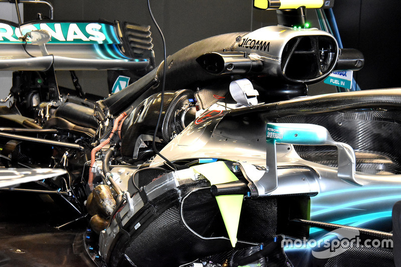 Mercedes W09: ecco la power unit senza cofano
