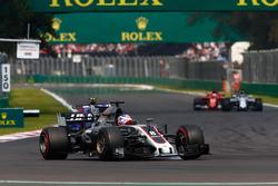 Romain Grosjean, Haas F1 Team VF-17, Pierre Gasly, Scuderia Toro Rosso STR12