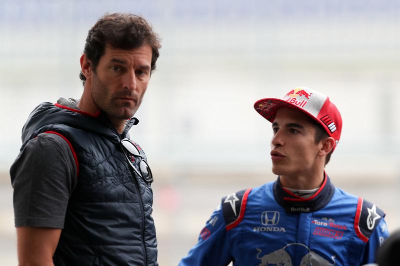 Marc Marquez, con el ex piloto de Formula 1, Mark Webber