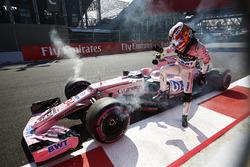 Alfonso Celis Jr., Sahara Force India F1 VJM10 after crash