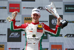 Race winner Maximilian Günther, Prema Powerteam Dallara F317 - Mercedes-Benz
