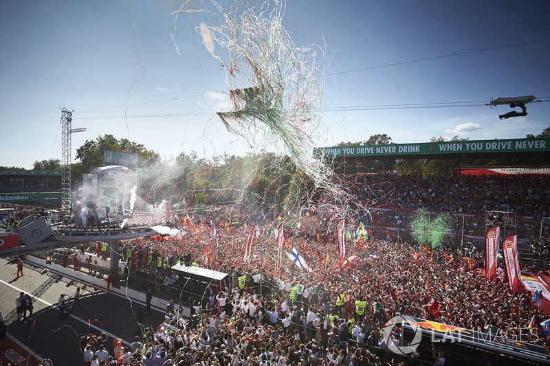 Italia: 185.000 espectadores; 37.500