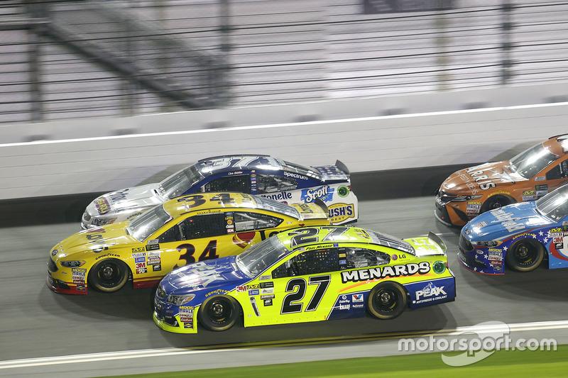 Paul Menard, Richard Childress Racing, Chevrolet; Landon Cassill, Front Row Motorsports, Ford